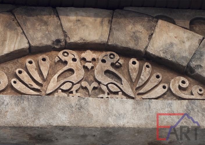 Барельеф из архитектурного бетона. Фрагмент