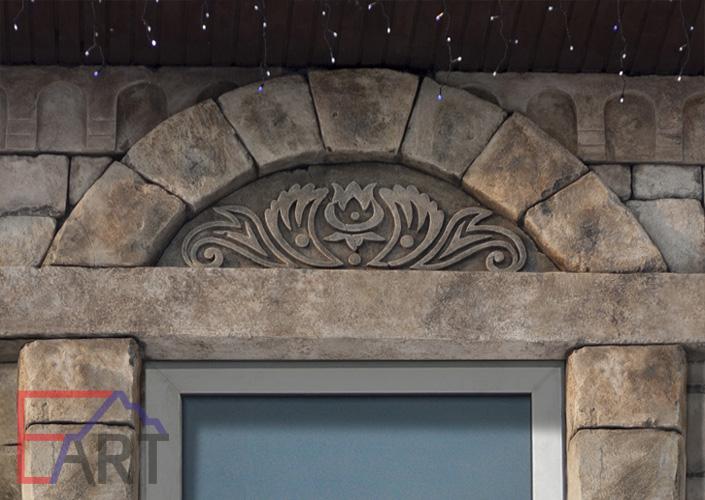 Барельеф из бетона над окном (г. Видное)