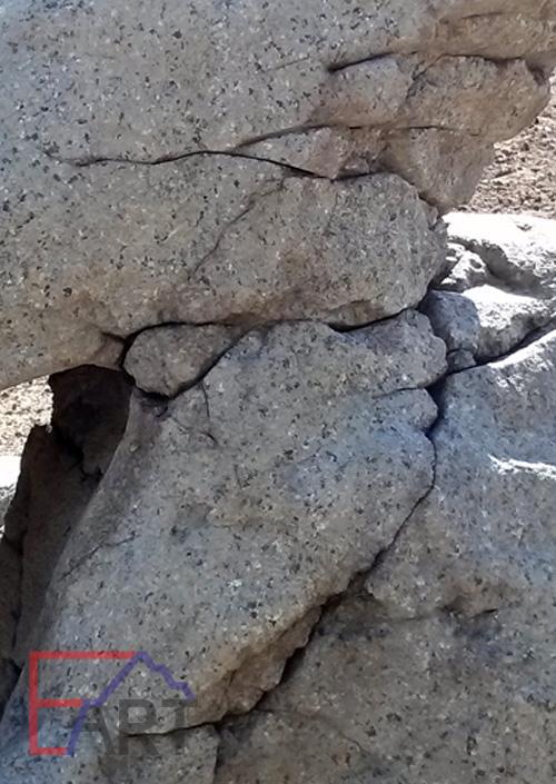 Дикий камень из архитектурного бетона. Фрагмент