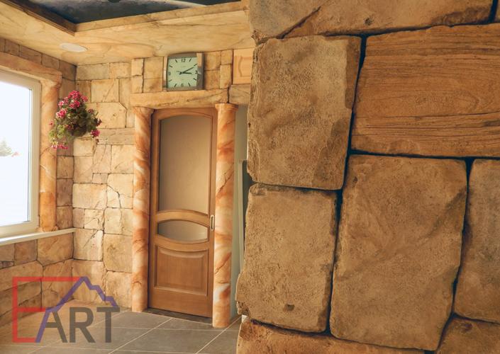Каменная кладка и роспись в интерьере